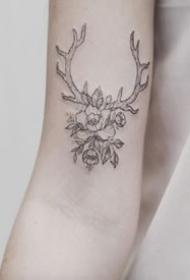 9张和鹿角鹿头相关的纹身图案作品欣赏