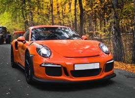 橘色亮色的Porsche 911 GT3 RS图片欣赏