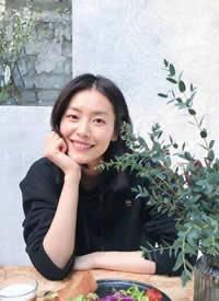 大表姐刘雯最吸引人的就是这灿烂的笑容