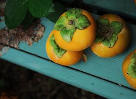 一组带点青涩的硬柿子唯美图片
