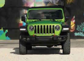 自带草原的牧马人 jeep汽车图片欣赏