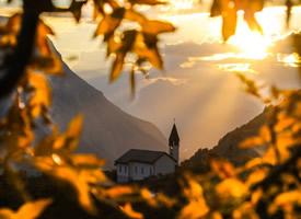 秋天,是一首静美而又婉转的诗,碧水映晴空