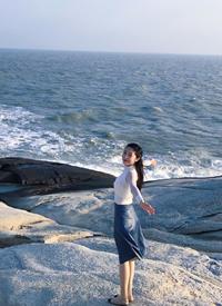 钟祺海边旅拍唯美写真图片