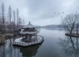 千百年来西湖声名在外,雪后的西湖也别有一番意境