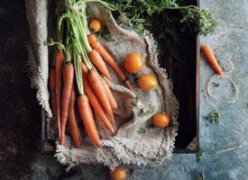 小白兔都喜欢的吃的胡萝卜图片