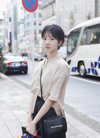 陈小纭休闲街拍高清图片