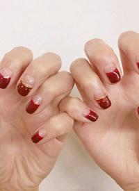 十二月份不能错过的红色系美甲图片