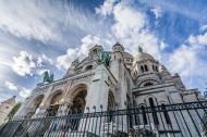 建筑风格独特的法国圣心大教堂图片_14张