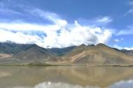 西藏雅鲁藏布江风景图片_7张
