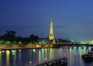 法国埃菲尔铁塔图片_10张