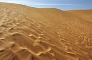 新疆库姆塔格沙漠图片_23张