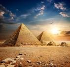 美丽的金字塔图片_18张
