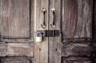 怀旧木门与锁图片_15张