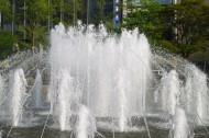 日本札幌大通公园的喷泉图片_11张