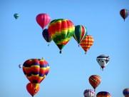 空中的热气球图片_16张