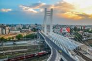 城市中的悬索桥图片_12张
