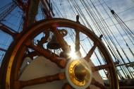 圆圆的航海舵图片_15张
