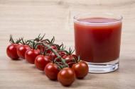 新鲜有机番茄和番茄汁图片_19张