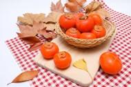 新鲜熟透的柿子图片_9张