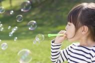 儿童春天户外玩耍图片_49张