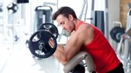健身房健身的肌肉男图片_7张