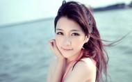 美丽的海边姑娘图片_20张