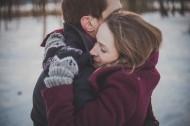 互相拥抱的恋人图片_14张