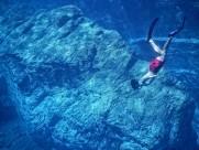 自由潜水的潜水爱好者图片_9张