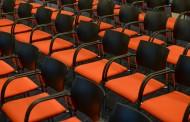 整齐安放的椅子图片_11张