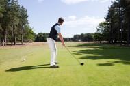 打高尔夫男性图片_42张