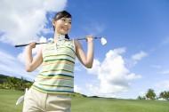 打高尔夫球女性图片_19张