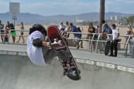 炫酷的滑板运动图片_16张