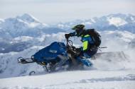 便捷的摩托雪橇图片_10张