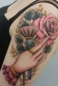 手控福利:关于手的一组漂亮纹身图案