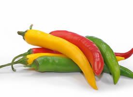 辣椒的味道像一堆熊熊烈火,刺激着的舌根
