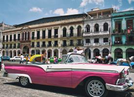 时尚复古汽车凯迪拉克粉色系高清图片