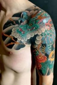 老传统风格的半甲纹身作品欣赏