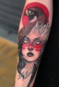 包手臂的一组newschool女郎纹身图