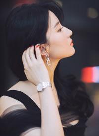 刘亦菲,两种不同的风格,或干练十足或仙气十足