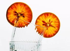 血橙充沛的汁液盈满唇舌,美味到了极致