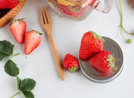 甜中带点酸吃起来爽口舒胃的草莓
