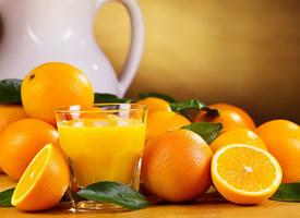 含有很多甜滋滋的果粒的橙子