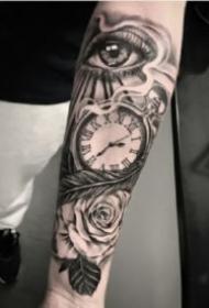 9张好看的包小臂欧美时钟纹身作品