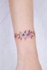 简约的小清新花环手环和脚环纹身图片