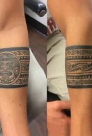 帅气的一组臂环手环纹身作品图欣赏