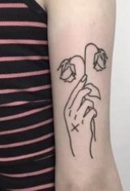 9张简约风格的手势纹身线图作品