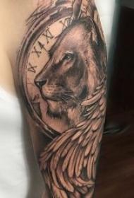 狮子 纹身图案  9张霸气而又威猛的狮子纹身图案