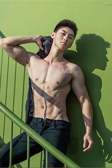 性感肌肉帅哥李竣皓艺术写真摄影阐释完美男性身材