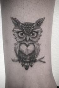 纹身猫头鹰  9张犹如黑暗精灵的猫头鹰纹身图案