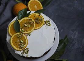 你不能是一只橙子,把自己榨干了汁就被人扔掉